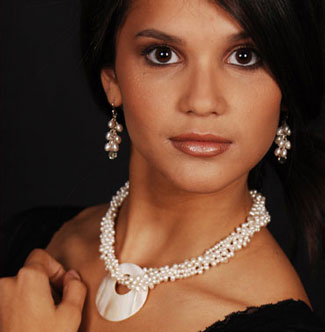 Pearls: perfect bridal jewellery