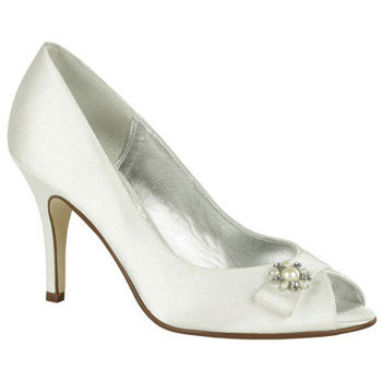 Classic silk bridal shoes